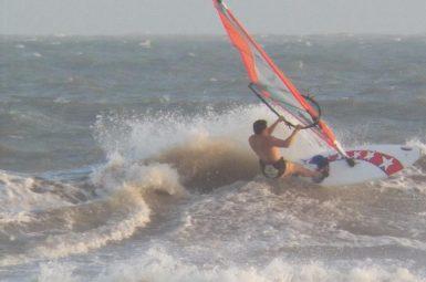 Velejo Windsurf em Arubinha